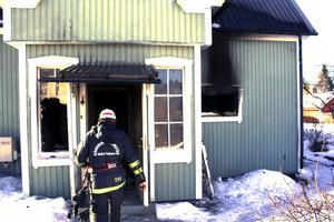 """En person omkom i branden i Horndal den 15 mars i år. MSB uppmanar folk att vara försiktiga. """"Vi vill uppmana människor att se över brandskyddet"""", säger Mattias Strömgren."""