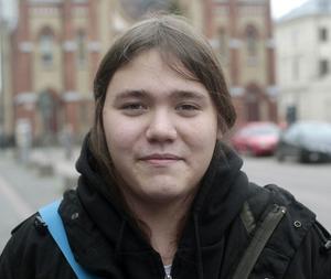 Marcus Lagerroos, 17, studerande, Gävle:– Lite. Det är mer julkänsla då, men det är ju inte december än. Förhoppningsvis kommer det ännu snö.