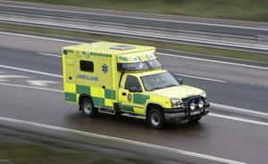 Kontroversiell avgift. Efter nyår får du betala 150 kronor om du måste åka ambulans till sjukhuset.