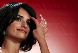 Penélope Cruz spelar den äventyrslysta läkaren Eva Rojas i Sahara.