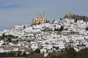 Olvera är en av många imponerande Pueblos Blancos
