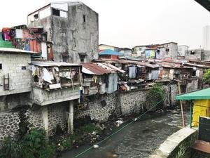 I Filippinerna har fattigdomen en djupare botten än i Sverige. Jessica Tikka tror att det bästa sättet vi i vår del av världen kan hjälpa till är genom att vara med och utbilda och stötta människor att skapa en egen försörjning. Bild: Privat