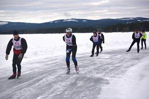 Ett 50-tal deltagare gav sig iväg från Orsa för att åka uppemot 60 kilometer på isen.
