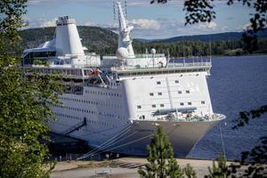 Ocean gala vid kajen i Utansjö.