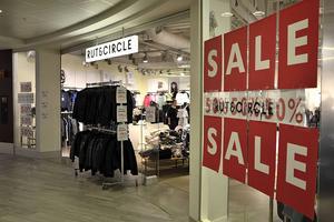 Utförsäljning pågår. Tio av Rut & Circles elva butiker i landet ska stängas.