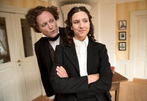 Ulf Pilov och Philomène Grandin repeterar pjäsen.
