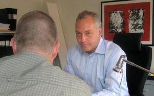 Först trodde inte Mattias Flink på beskedet att han får straffet tidsbestämt, berättar Johan Eriksson, Flinks advokat. FOTO: EWA TURES, SCANPIX