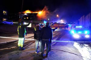 En 24-årig man åtalas misstänkt för mordbranden på Eriksbergsvägen. Han är också misstänkt för flera dödshot.