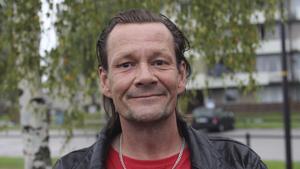 Jan Risberg, 53 år, marktjänst, Skinnskatteberg:– Nej, inte ännu tycker jag. Om en vecka är det höst.