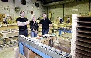 Masonite Lättelement går som tåget igen. Moderbolaget Roofline satsar tio miljoner i verksamheten i Högland, som även får 1,2 miljoner av länsstyrelsen. Det innebär 15 nya jobb, nya lokaler och nya maskiner.