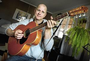 Per Persson har samlat ihop ett nytt band, kallat