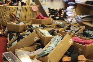 """Inne på """"The Lindy hop shop"""" kan besökarna köpa kläder, skor, böcker och danstillbehör som kan behövas under vistelsen."""