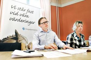 Sverigedemokraterna vill inte stå för fiolerna. SD i Gävle anser att för få lyssnar på symfoniorkestern.Roger Hedlund och Margareta Sandstedt siktar högt i kommunalvalet. Minst en fördubbling av antalet mandat är målet.