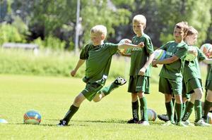 Fotbollsskola på Bäcksjövallen med Östansjö IF.