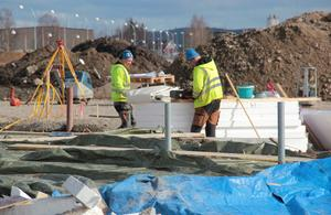 Arbetet pågår med att färdigställa betongparken.