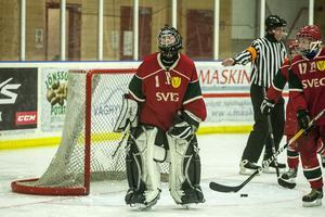 En frustrerad Elin Hellström efter Vansbros 2-0 mål.