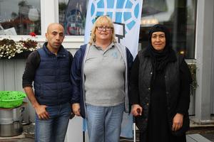 Ahmad Alkurdi, Marie Svensson och Huria Sayedi från asylboendet Afta Quren.