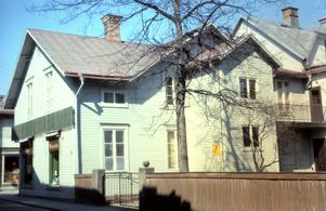Målaregatan 3 och det s k 1896-huset som det såg ut på 1960-talet.
