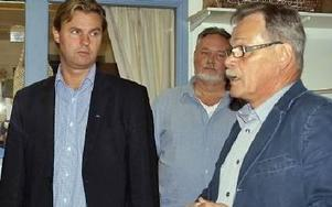 Hans Backman från arbetsmarknadsdepartementet på AME-besök i Rättvik hos Tomas Grundell och Kaj Raunio.Foto: BIRGIT NILSES GRÖNDAHL