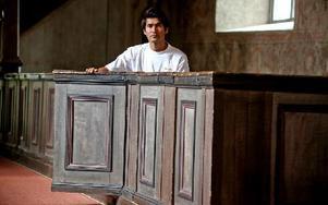 Utgångspunkten var de gamla målningarna som sitter vid ingången till kyrkbänkarna. Foto: Johnny Fredborg