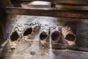 När skogsfinnarna vandrade omkring i bygden hade de egentillverkade näverskor på fötterna.
