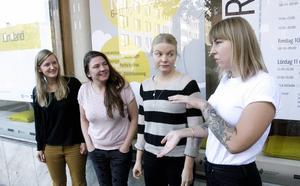Karolina Nätterlund, Josefin Sundnäs Wallin, Katarina Widegren och Johanna Thofelt har jobbat fram Formveckan som inleds måndag kväll