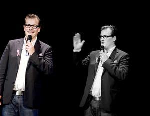 """Hallå, vem är den där andre André? I vart fall kom han till vänster inte loss ordentligt i sin show """"Alla talar svenska""""."""