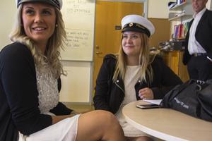 Sandra och Louise Olsson delade klassrum med 14 killar.
