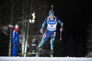 Sveriges Fredrik Lindström under 20km individuellt i världscupen i Östersund.