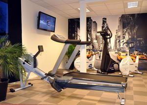 NÖDVÄNDIGT. Inget gym utan ett löpband, menar Henrik Andersson, som kompletterade det inköpta gymmet med bland annat ett sådant.