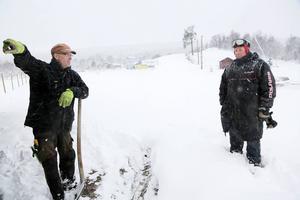 I torsdags hade Janne Wagenius och Bosse Nelander på skidstadion i Bruksvallarna mycket snö. Nu har det mesta försvunnit i värmen.