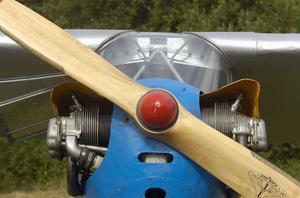 Fronten på Göran Stigssons Piper J3 Cub ser tuff ut.