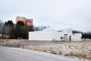 Flytt. Mejeriet i Saltå är klart större än det som brann i Nibble. Efter årsskiftet blir det full fart i de nya lokalerna.