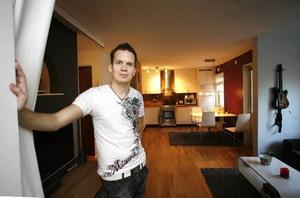 När han fick sin egen lägenhet blev det kul att hålla ordning och intresset för heminredning dök plötsligt upp.