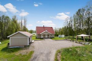Huset i Söråker såldes för 3 075 000 kronor.