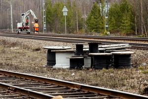 Det blir banarbeten igen på Ostkustbanan. Mellan april och fyra månader framåt stoppas trafiken periodvis.