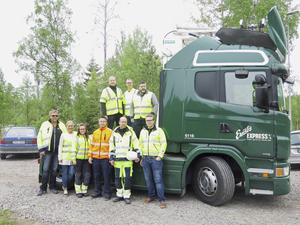 Här är gänget från Scania, åkeriet Ernst Express, Siemens och region Gävleborg som var med när första lastbilen testades på världens första riktiga elväg.