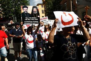 16 augusti 2014. De kristna kyrkorna gick samman för att demonstrera mot IS framfart och förföljelse av kristna i Mellanöstern.