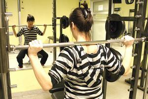 Upphandlingen av träningsutrustning i kommunens sporthallar har avbrutits.