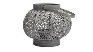 Zinkgrå ljuslykta från Indiska. Pris 149 kronor.