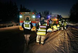 Den första olycka ledde till en köolycka då en stillastående bil blev påkörd bakifrån.