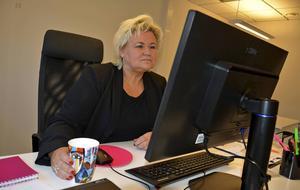 Varor och ordrar rullar in till det nya huvudkontoret. Camilla Falgén ser till att det tas fram nya produkter och att affärerna går som de ska.