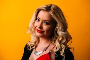 Matilda Karlsson från Fagersta är en av sex deltagare i realityserien Flator som visas som webb-tv i SVT:s nysatsning SVT Flow.