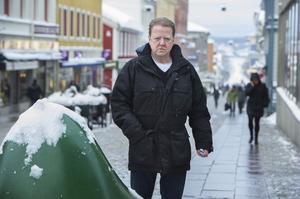 Staffan Sehlin, kriminolog och polis vid länskriminalen, är mycket kritisk mot kommunen och dess agerande när det gäller medling.