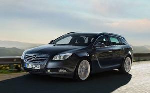 Det svänger om nya Opel Insignia – i alla fall när det gäller linjeföringen. Kombiversionen kommer att bli en bästsäljare tror den svenske generalagenten.Foto: Th omas Ernsting