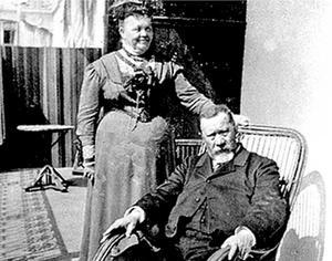 Mor och far. Makarna Claës och Frederique Bergman.
