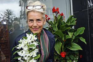 Ewa Fröling har en lång skådespelarkarriär bakom sig. Under fredagen var hon i Sollefteå för att dela ut Ingrid Thulin–stipendiet och förhoppningsvis ge några råd till det framtida löftet och stipendiaten Natalie Sundelin.