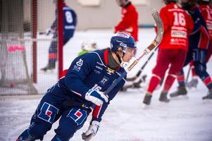 Gabriel Linderson har nyss placerat bollen i nätet, hans första mål för dagen betydde 6–0 för Selånger.