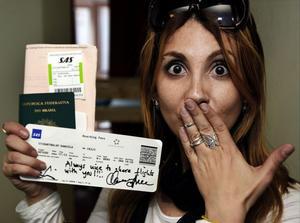 På planet hit till Sundsvall hade hon turen att hamna på samma flight som Roxette. Hon blev minst sagt chockad. Biljetten blev signerad och den slänger hon nog inte i första taget.