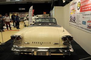 Pontiac Bonneville cab -57.